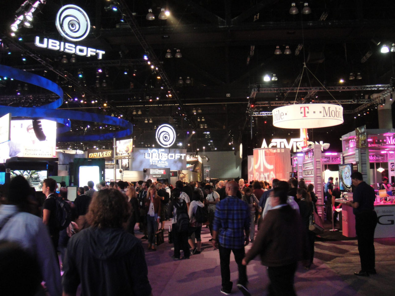 https://thesubmarine.it/wp-content/uploads/2016/06/E3_2011_-_the_South_Hall_floor_5831111978-1280x960.jpg