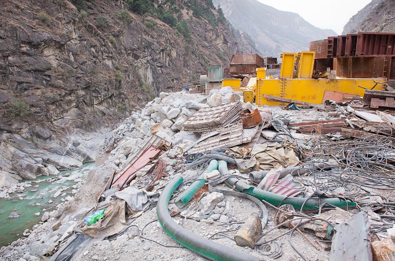 La discarica dell'impianto idroelettrico Karcham-Wangtoo sul fiume Sutleji