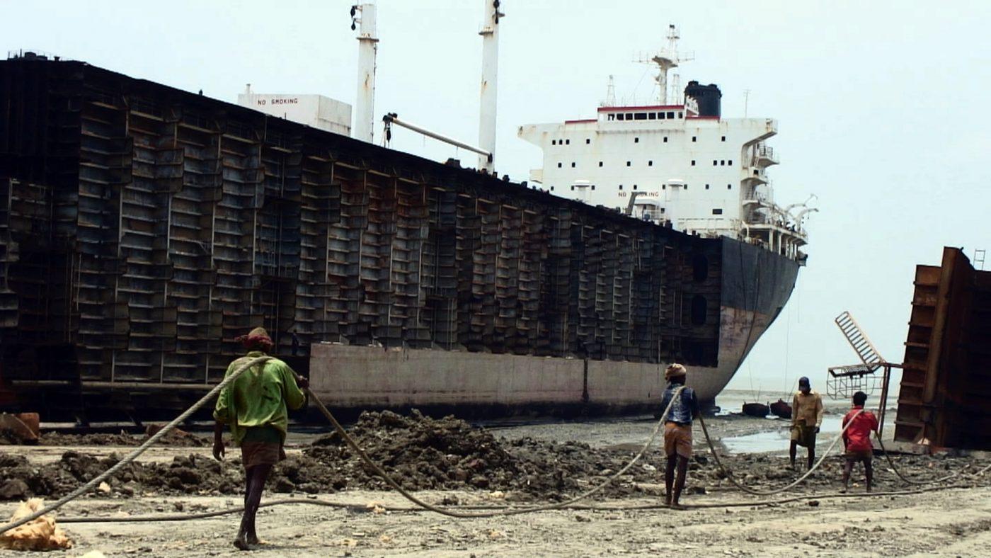 "Chittagong. Da ""Shipwreck"" di J. G. Serrano, 2010 / CC Flickr"