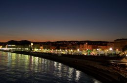 Night_view_on_Promenade_d'Anglais