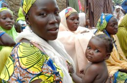A_woman_attends_a_health_education_session_in_northern_Nigeria_(8406369172)
