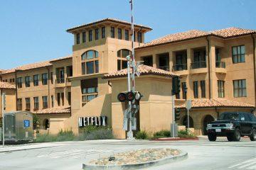 1199px-netflix_headquarters
