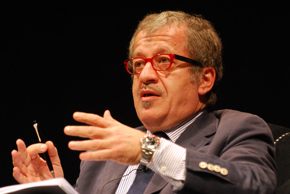 https://thesubmarine.it/wp-content/uploads/2016/09/Roberto_Maroni-Festival_dellEconomia_2.jpg