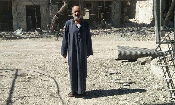 Abo Awad, tassista ad Aleppo. Foto di Hussein Akoush