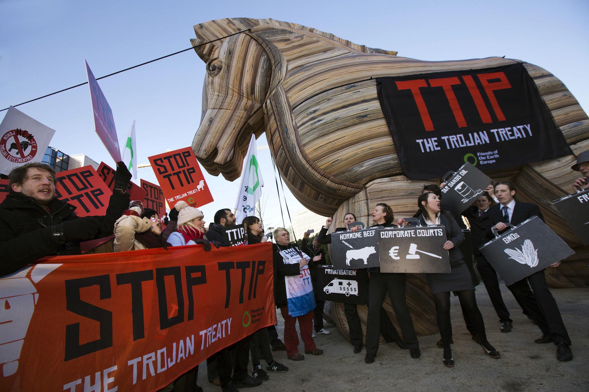 Manifestazioni contro il TTIP a Bruxelles, febbraio 2015 / Flickr