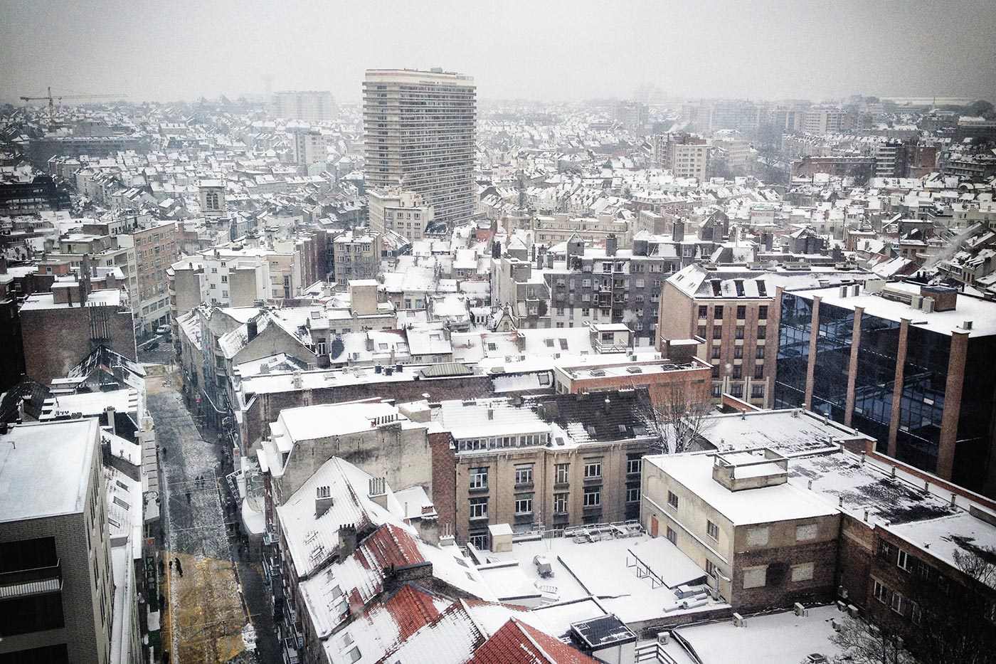 brussels_rooftops_in_winter_8521543482