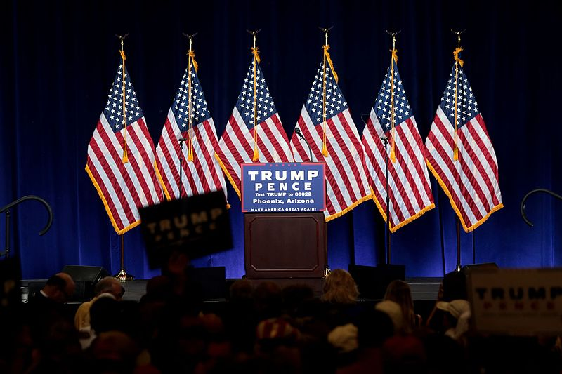 https://thesubmarine.it/wp-content/uploads/2016/11/Donald_Trump_stage_29267853782.jpg