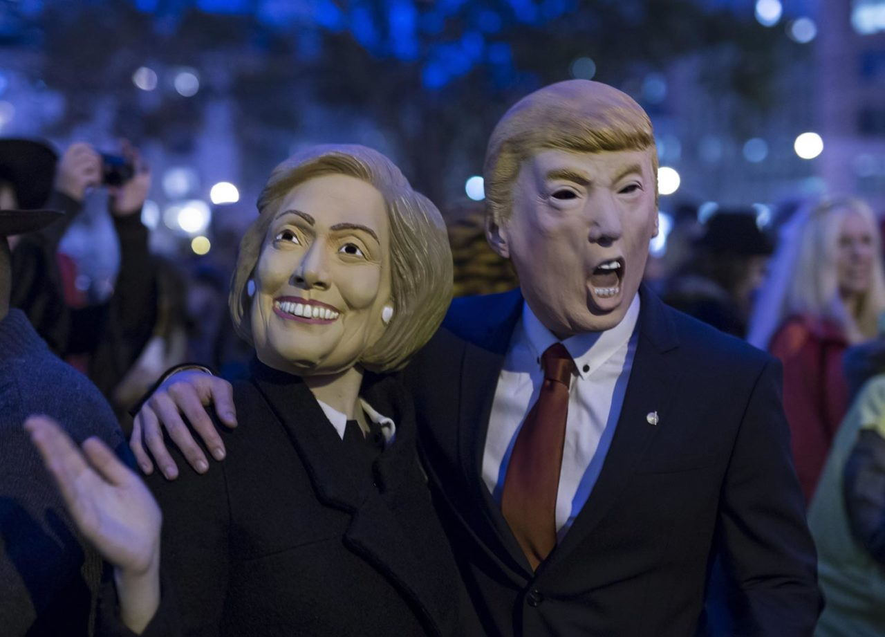 https://thesubmarine.it/wp-content/uploads/2016/11/trump-clinton-masks-1280x921.jpg