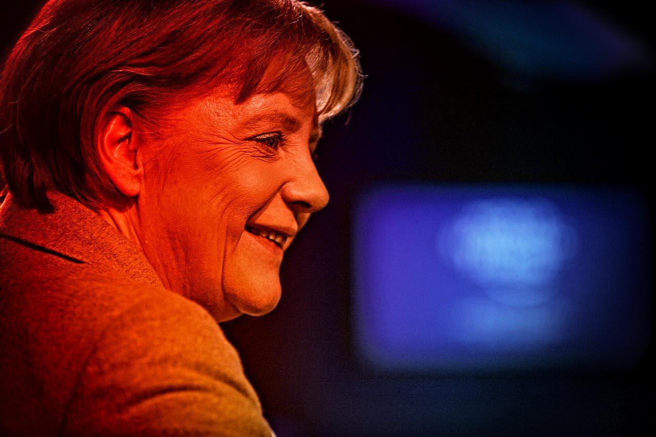 https://thesubmarine.it/wp-content/uploads/2016/12/1280px-Angela_Merkel_-_Profil_World_Economic_Forum_Annual_Meeting_2011-1280x853.jpg