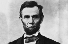 abraham_lincoln_head_on_shoulders_photo_portrait