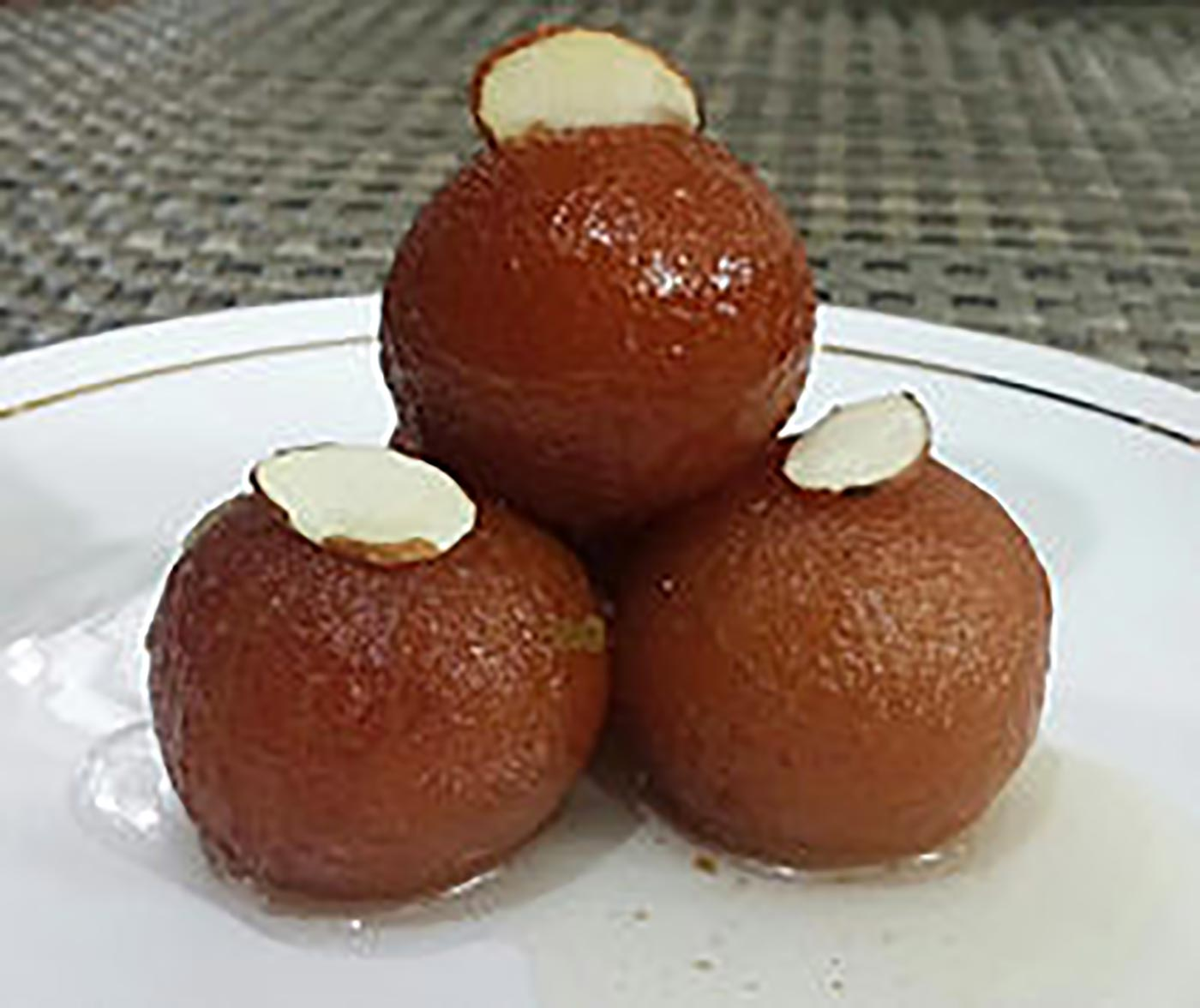 gulaab_jamun_homemade_bright