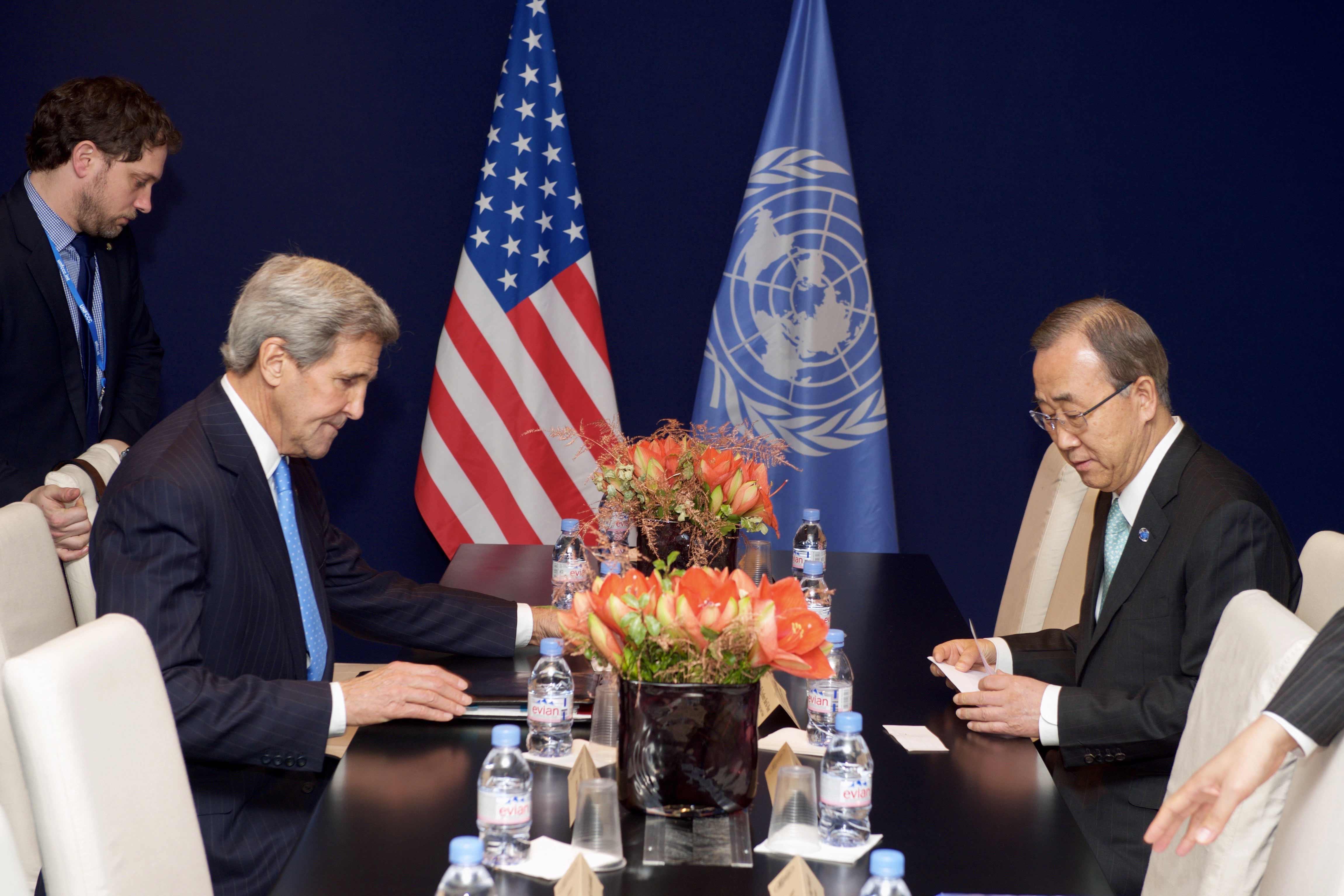 Segretario di Stato americano Kerry con il Segretario delle Nazioni Unite Ban al COP21.