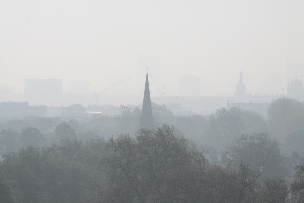 Perché non si prendono misure radicali contro lo smog cittadino?