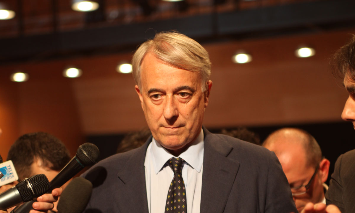 https://thesubmarine.it/wp-content/uploads/2017/02/Giuliano_Pisapia_Sindaco_di_Milano_-_30_May_2011.jpg