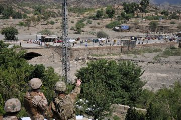 1280px-torkham_border_crossing_in_september_2011