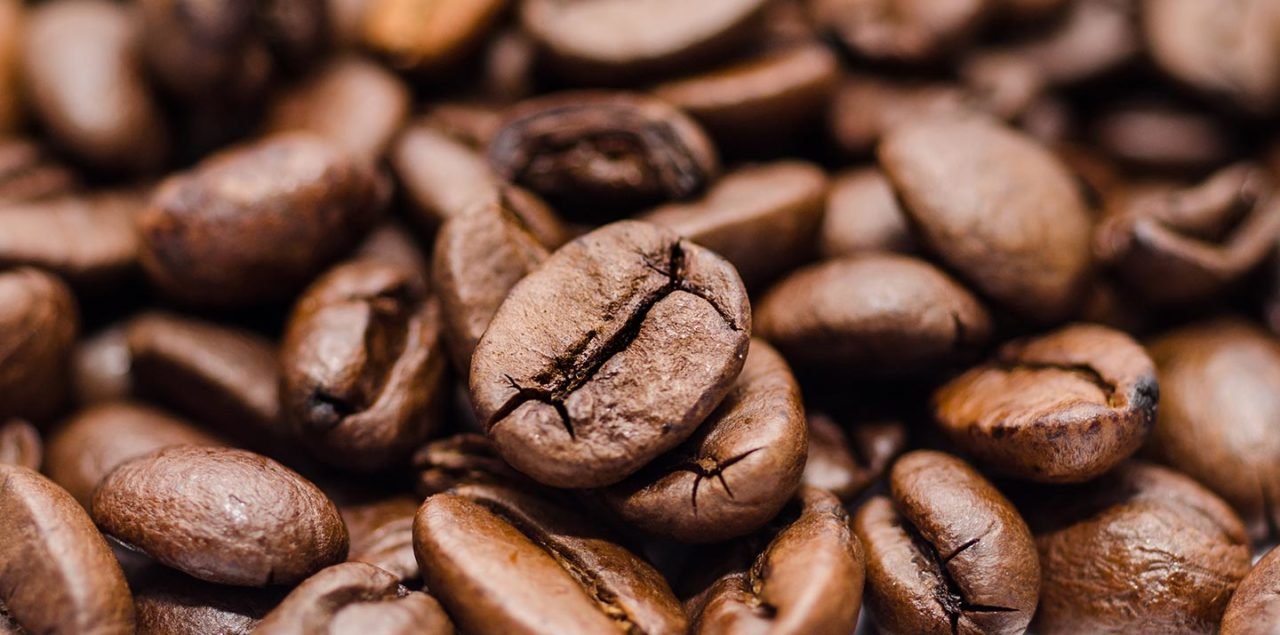 https://thesubmarine.it/wp-content/uploads/2017/03/food-beans-coffee-drink-1280x635.jpg