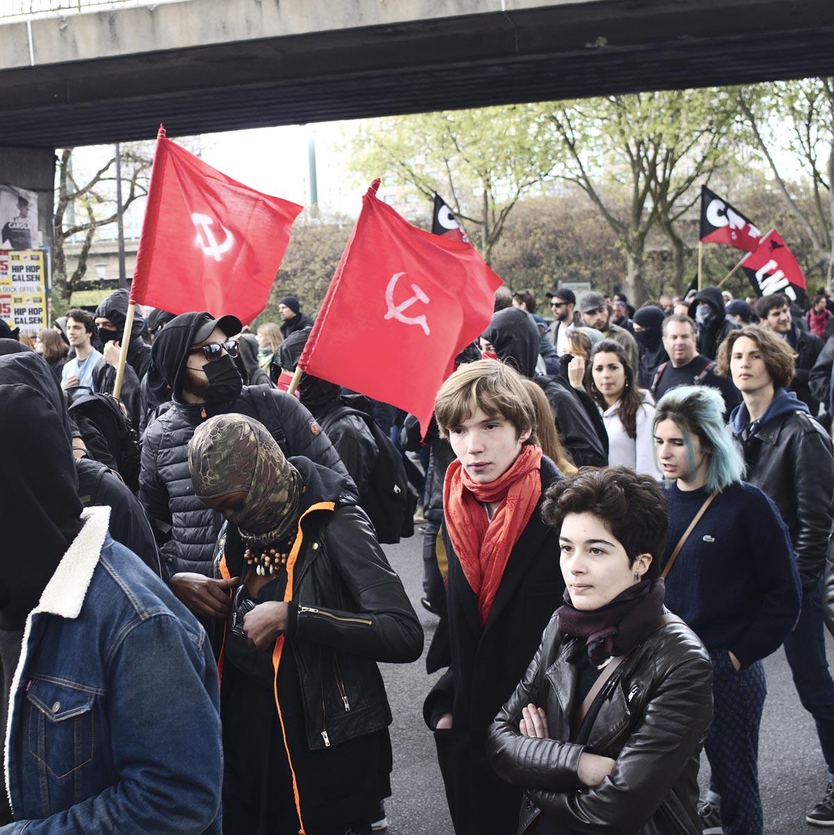 Francia, incidenti a comizio Le Pen