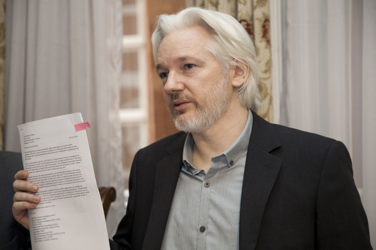 https://thesubmarine.it/wp-content/uploads/2017/04/assange.jpg