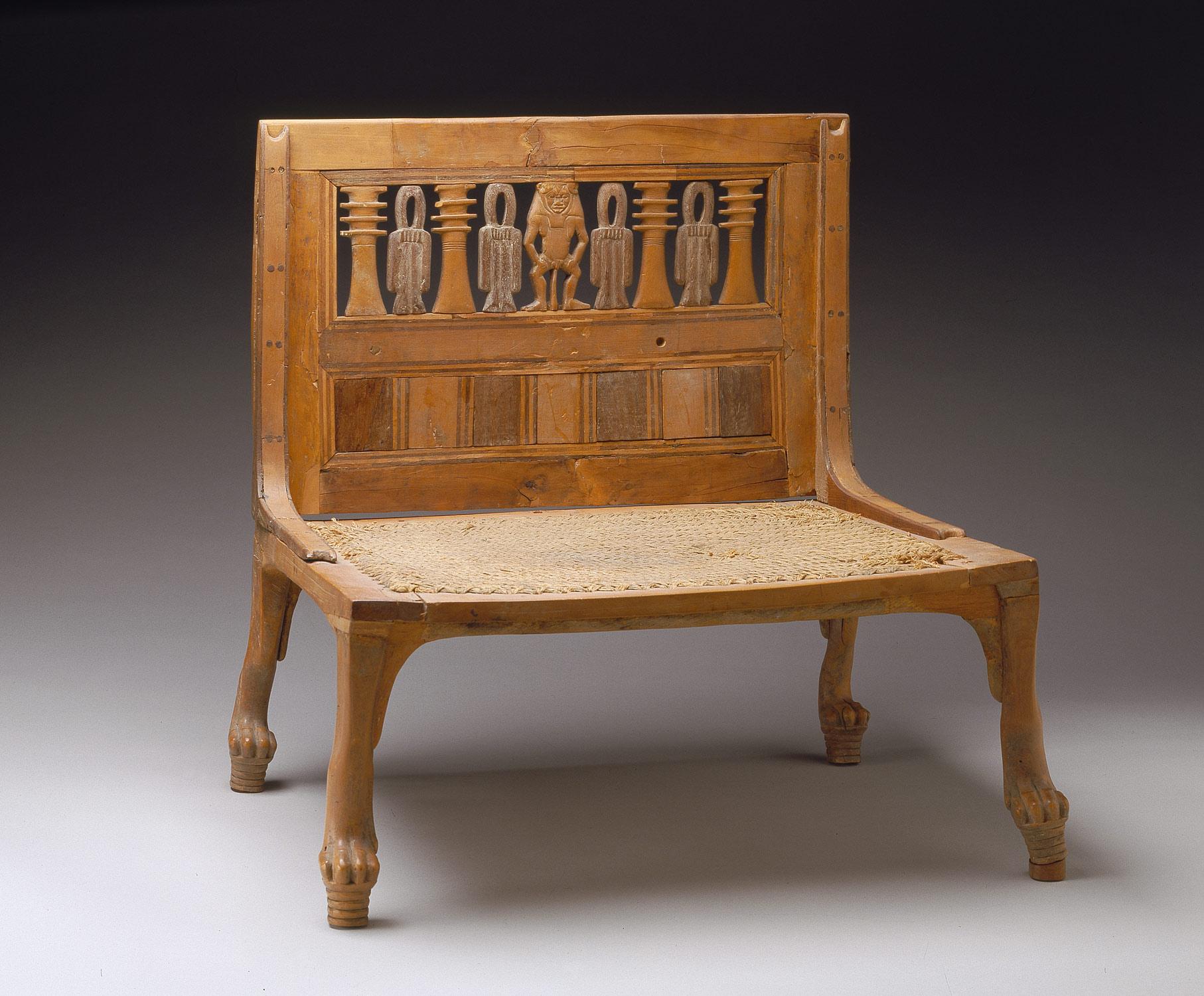 Una sedia egizia della XVIII dinastia, XV secolo a.C. Metropolitan Museum