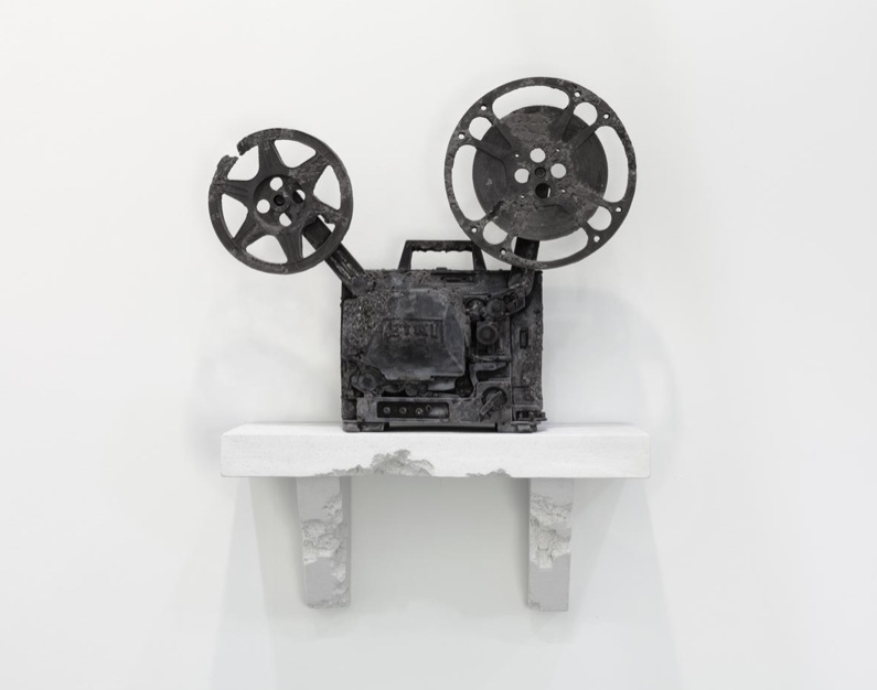 https://thesubmarine.it/wp-content/uploads/2017/05/daniel_arsham_prequell_debut_ep_thomas_roussel.png