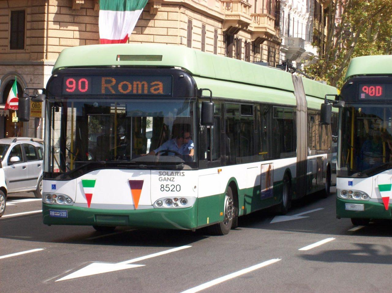 https://thesubmarine.it/wp-content/uploads/2017/07/2010-09-19_Solaris_Ganz_Trollino_ATAC_8520_Linea_90_Roma-1280x959.jpg