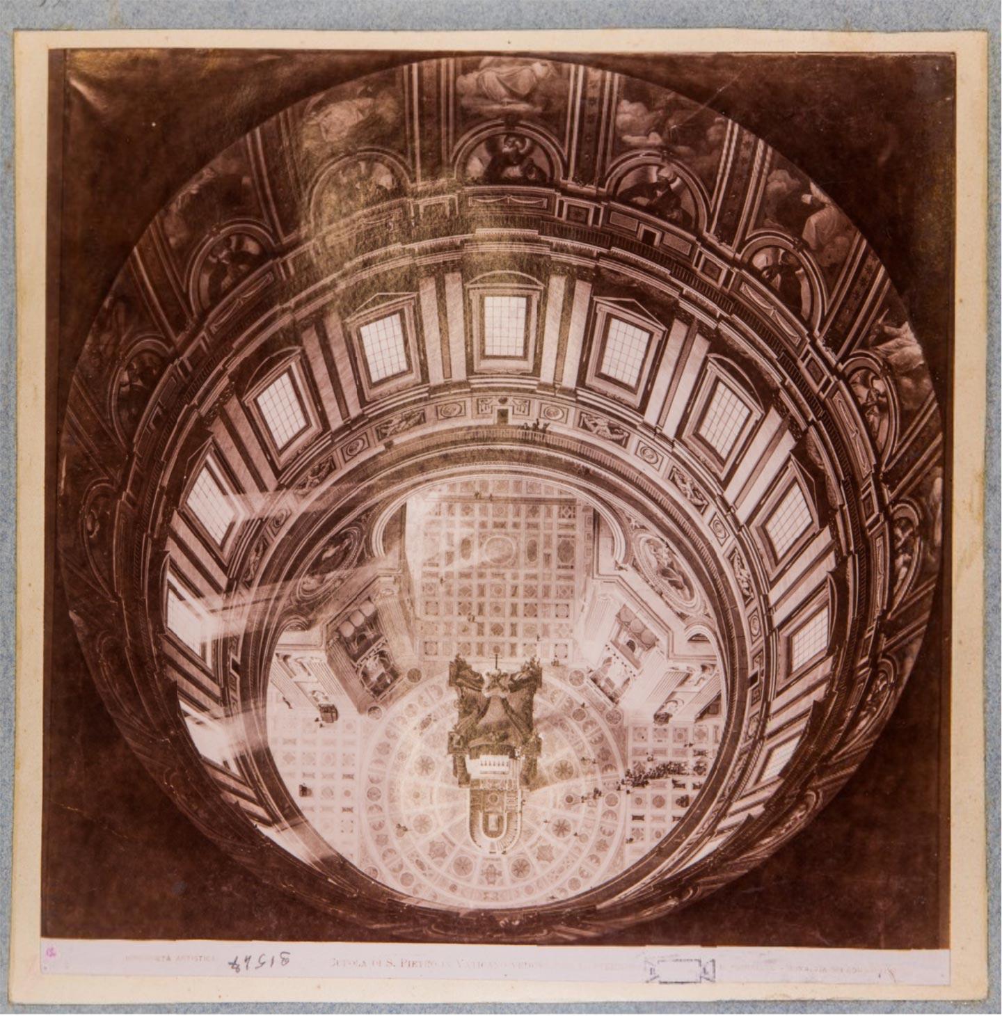 Cupola di S. Pietro in Vaticano. Veduta dal lanternino, 1900