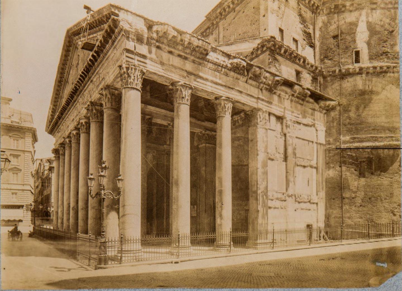 Pantheon, pronao di scorcio, 1800