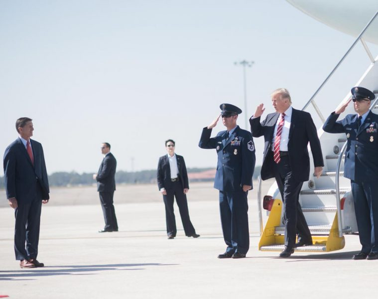 trump_visits_macdill_air_force_base_32376482540