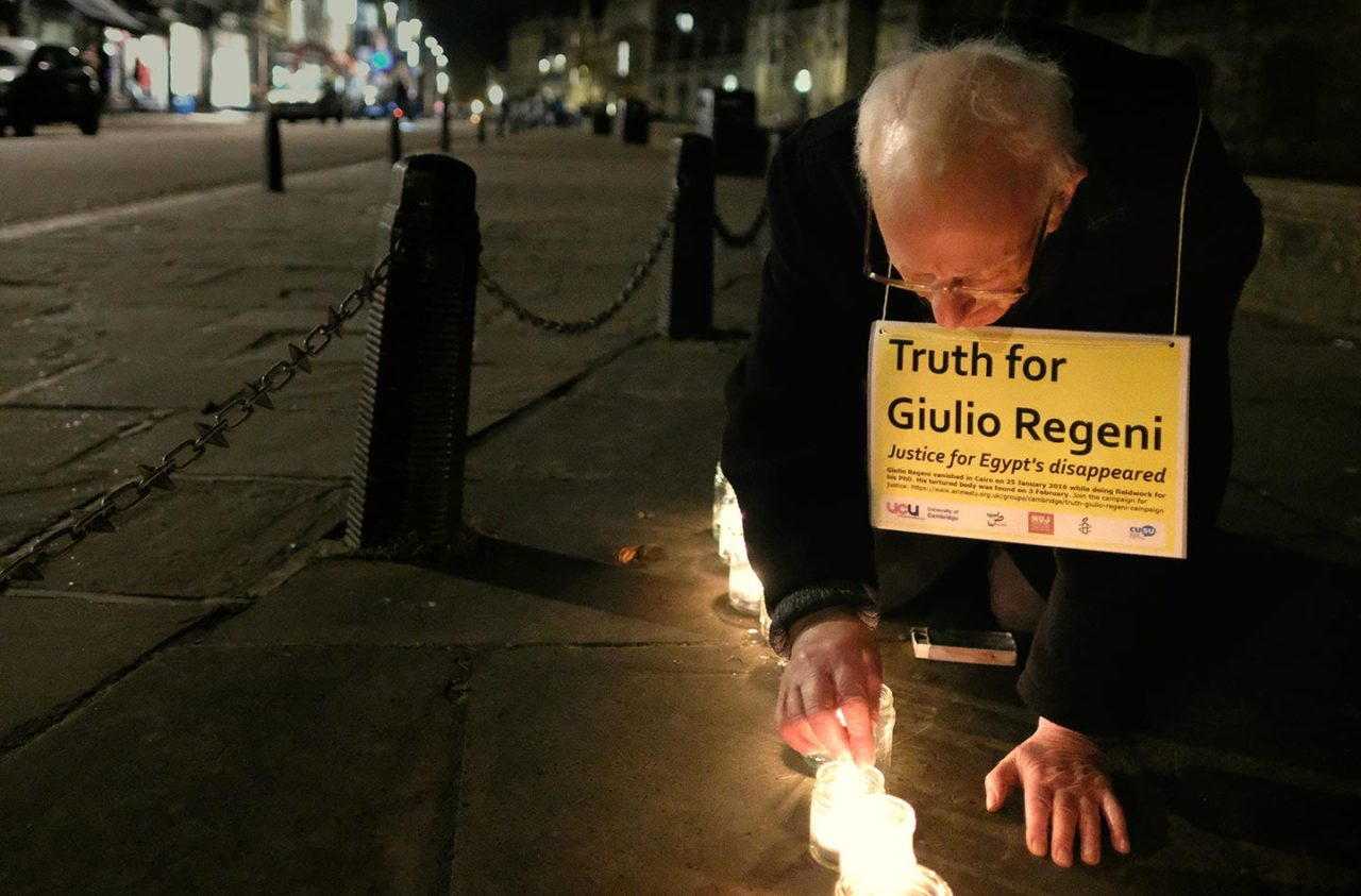 https://thesubmarine.it/wp-content/uploads/2017/08/Lighting_candles_for_Giulio_Regeni_in_his_memory_and_for_truth_and_justice_for_him_and_for_the_hundreds_of_Egyptians_forcibly_disappeared_each_year._32656659336-1280x843.jpg