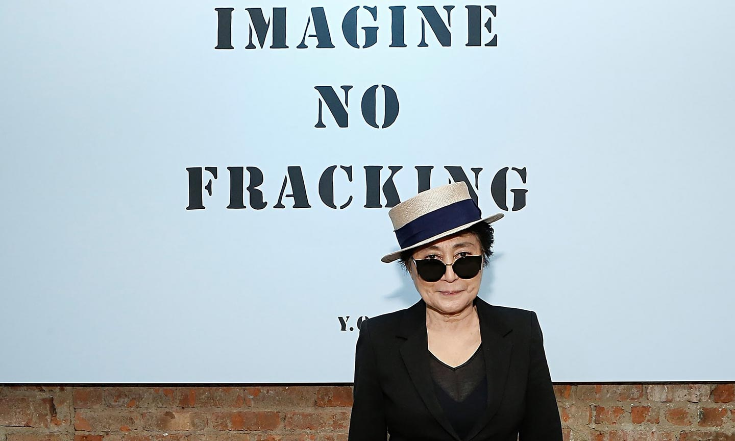 yoko-ono-in-a-hat-and-sun-009