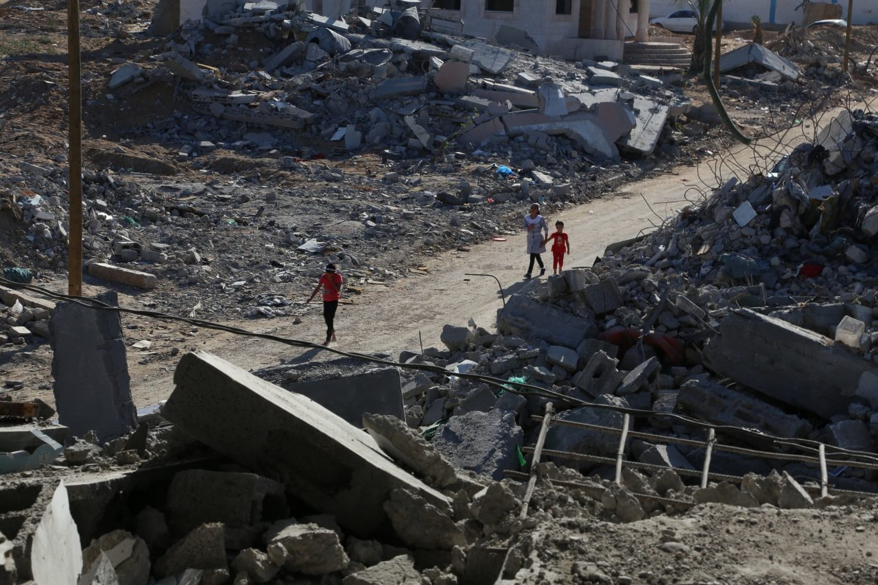 https://thesubmarine.it/wp-content/uploads/2017/08/palestine-gaza-strip-in-2015-678979_1920-1280x853.jpg