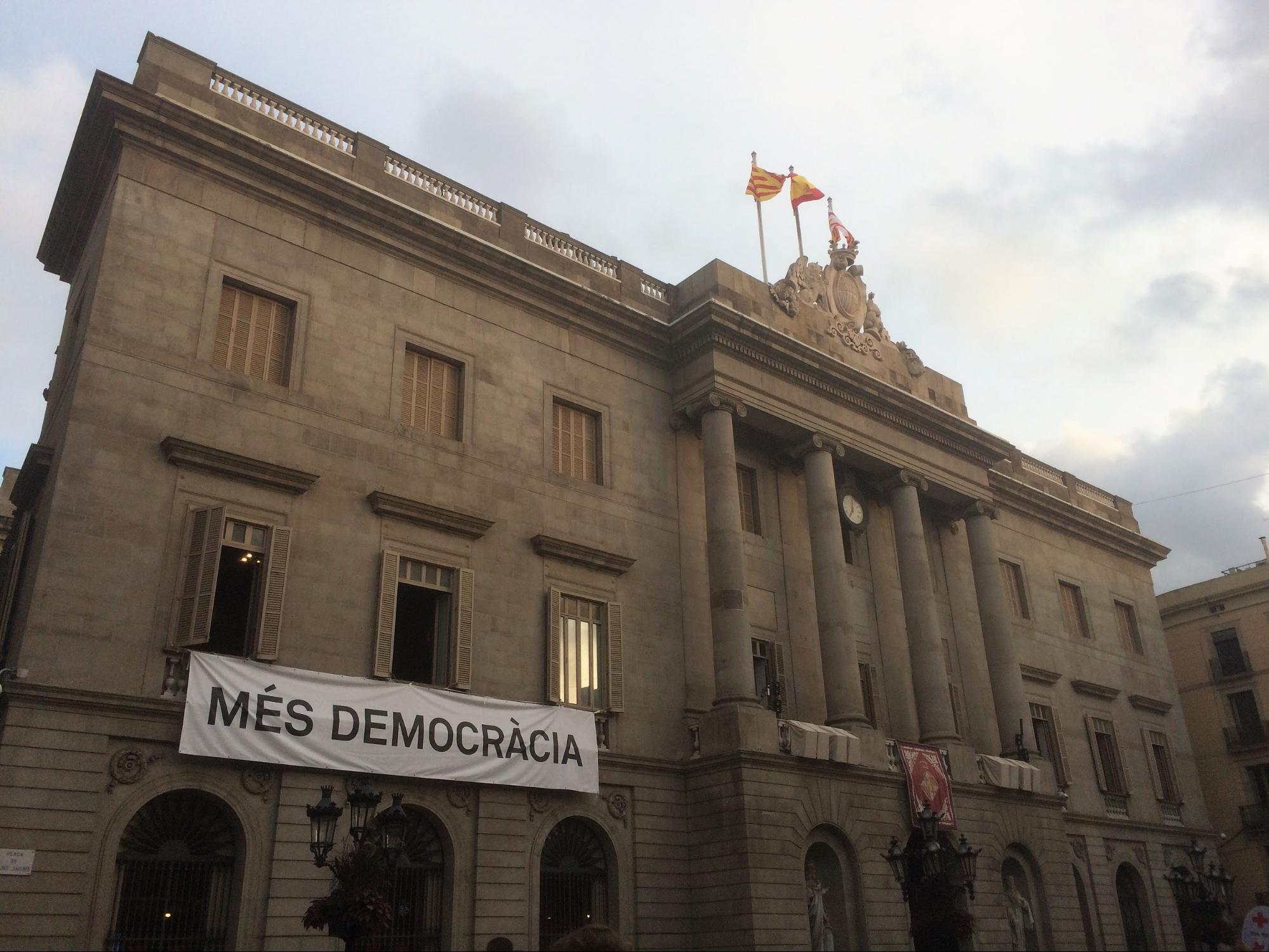 Manifesto pro referendum a Barcellona (foto da Twitter)