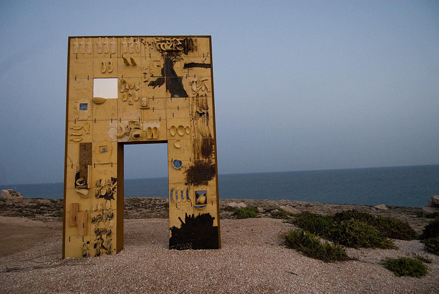 """La """"Porta di Lampedusa"""" di Domenico Paladino, 2008"""
