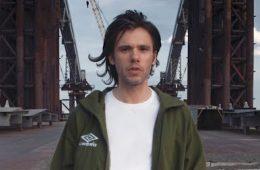 orelsan-fait-son-grand-retour-avec-le-clip-basique-et-annonce-la-sortie-dun-nouvel-album-2