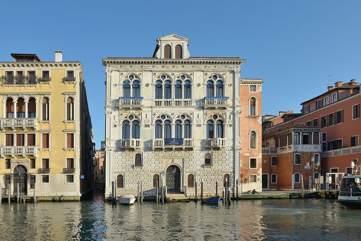 https://thesubmarine.it/wp-content/uploads/2017/10/1200px-Palazzo_Corner_Spinelli_Canal_Grande_Venezia_sole.jpg