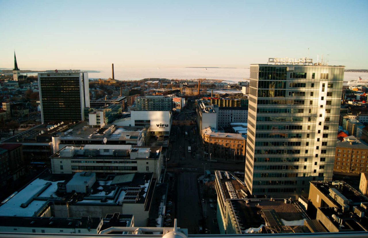 https://thesubmarine.it/wp-content/uploads/2017/10/Financial_district_of_Tallinn_and_Viru_center_8600420390-1280x830.jpg
