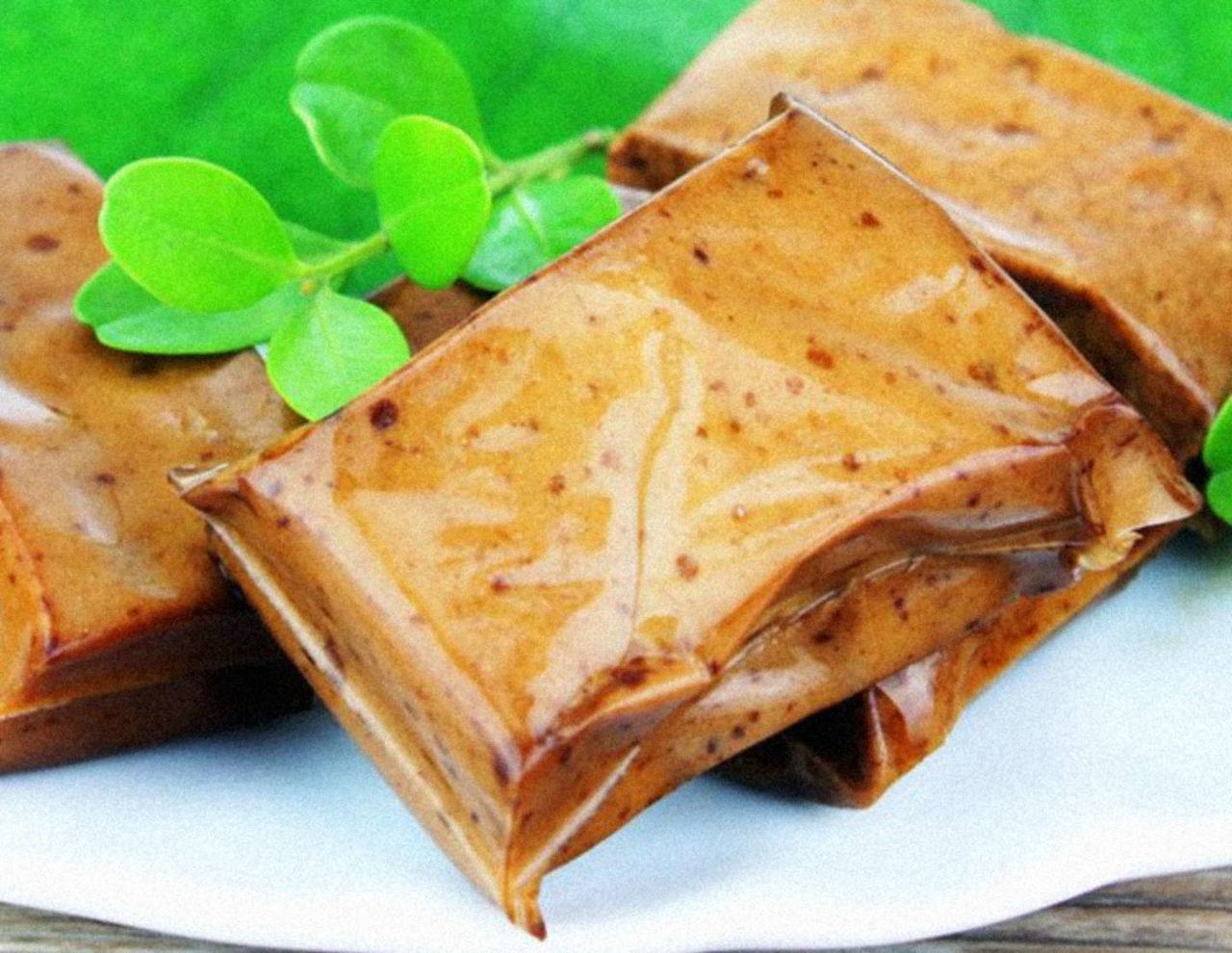 https://thesubmarine.it/wp-content/uploads/2017/10/Taiwan-Sheng-Tang-QQ-specialty-spiced-spicy-tofu-curd-16g-dry-snack-food.jpg_640x640-1280x990.jpg