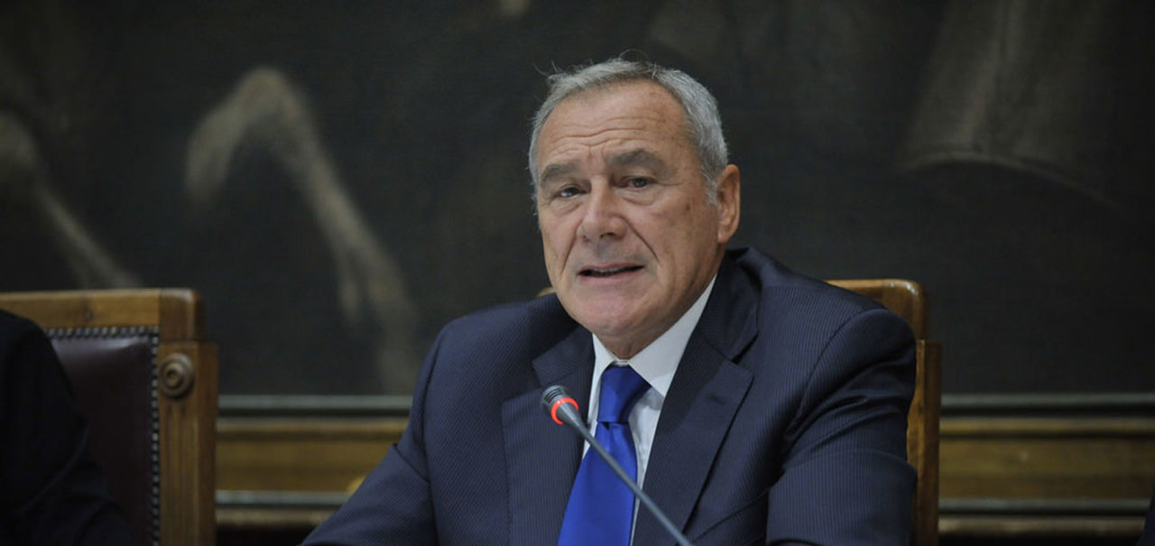 https://thesubmarine.it/wp-content/uploads/2017/10/grasso-1280x605.jpg