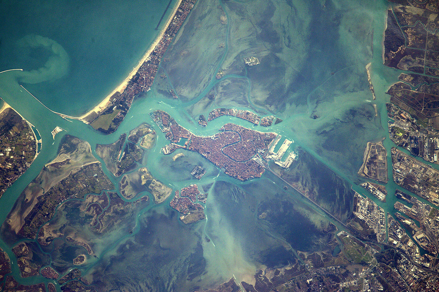 space_station_flight_over_venice