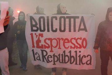 """Un'immagine della spedizione di Forza Nuova sotto la sede di Repubblica con i militanti mascherati che lanciano fumogeni"""", Roma, 6 dicembre 2017. FACEBOOK/FORZA NUOVA ++ ATTENZIONE LA FOTO NON PUO' ESSERE PUBBLICATA O RIPRODOTTA SENZA L'AUTORIZZAZIONE DELLA FONTE DI ORIGINE CUI SI RINVIA ++"""