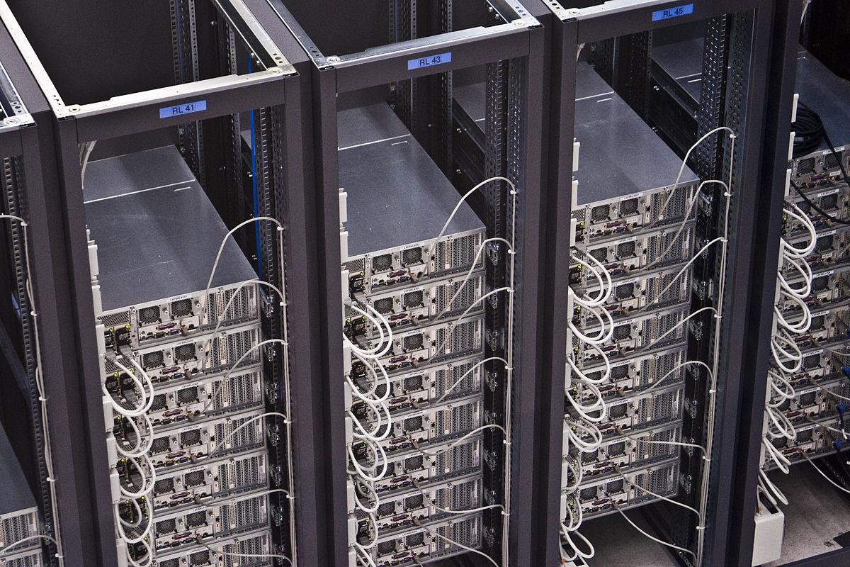 https://thesubmarine.it/wp-content/uploads/2018/02/1200px-CERN_Server.jpg