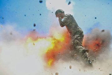 hilda-clayton-photographed-the-explosion-that-killed-her-and-4-other-soldiers-in-afghanistan-during-2013