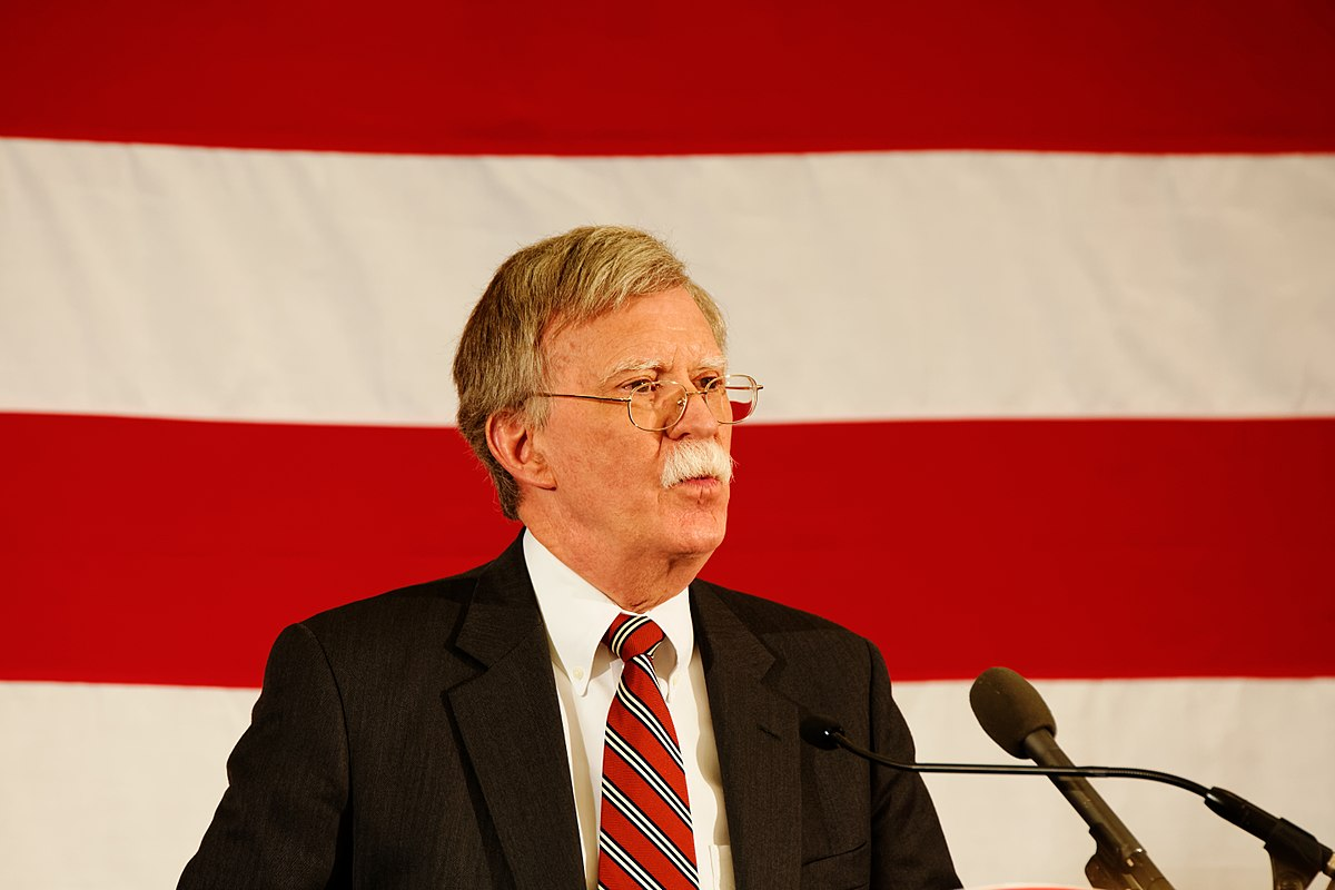 https://thesubmarine.it/wp-content/uploads/2018/03/1200px-Ambassador_John_Bolton_at_-FITN_in_Nashua_NH_17028911598.jpg