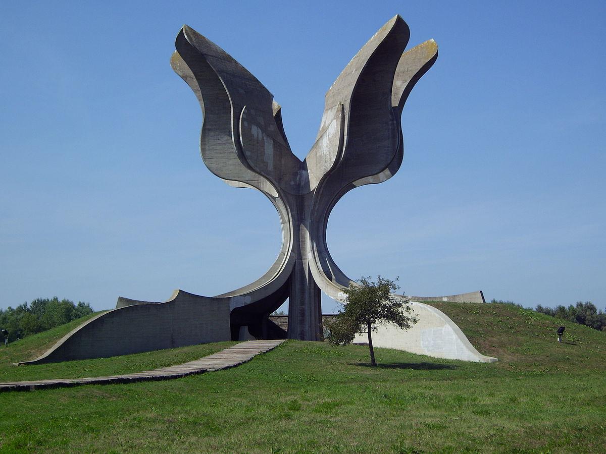Lo spomenik dedicato alla memoria delle vittime di Jasenovac / Wikimedia Commons