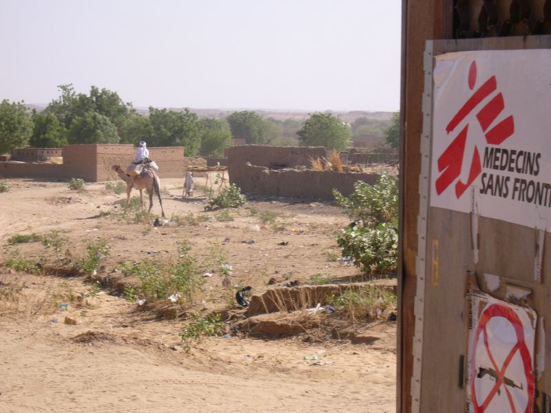 MSF in un centro per rifugiati in Chad, foto CC Mark Knobil
