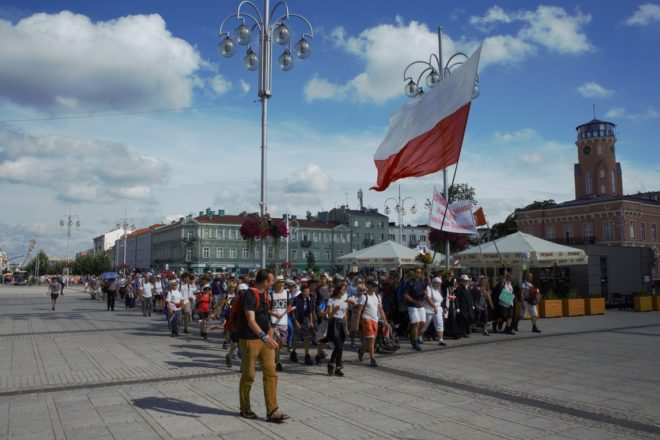 Per la Madonna. Affinità e divergenze tra i nazionalisti polacchi e noi