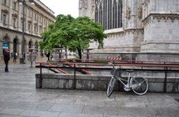 bike_near_duomo_di_milano