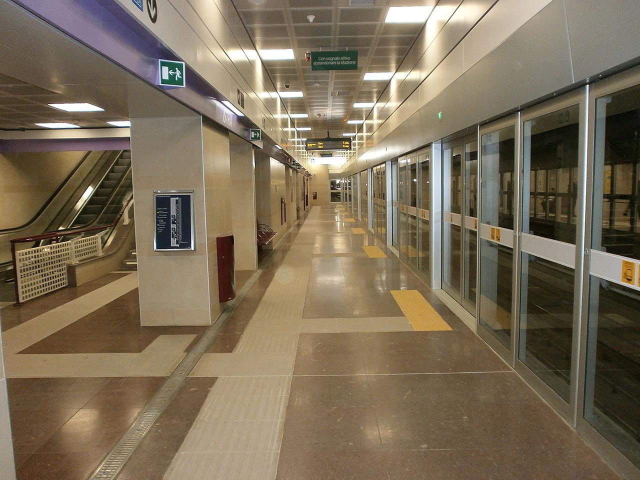 https://thesubmarine.it/wp-content/uploads/2018/12/Metropolitana_di_Milano_-_linea_M5_lilla_-_banchina_stazione_Istria_-_Milano_-_03-1280x960.jpg