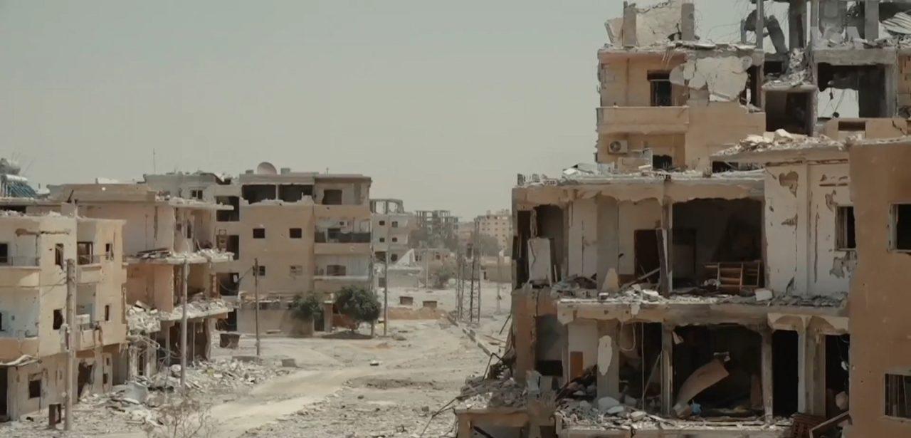 https://thesubmarine.it/wp-content/uploads/2019/03/1599px-Destroyed_neighborhood_in_Raqqa-1280x615.jpg