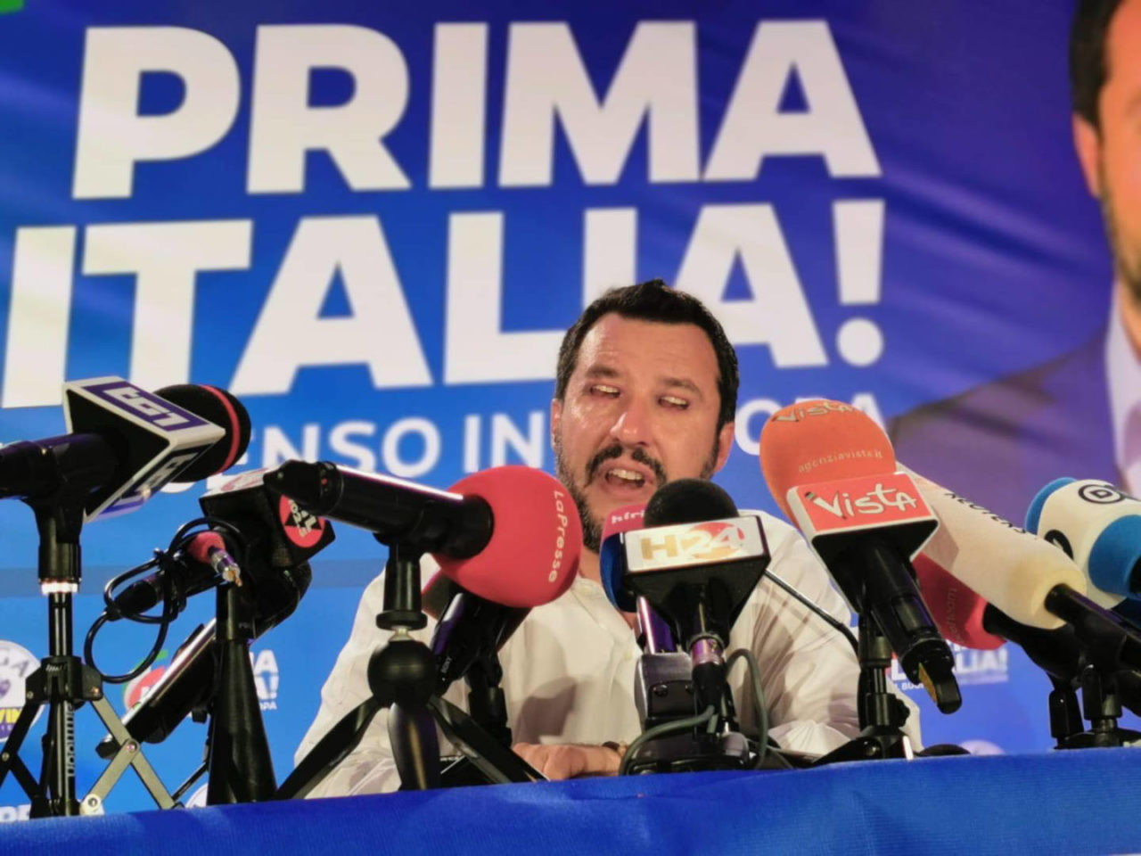 https://thesubmarine.it/wp-content/uploads/2019/05/horror-salvini-1280x960.jpg